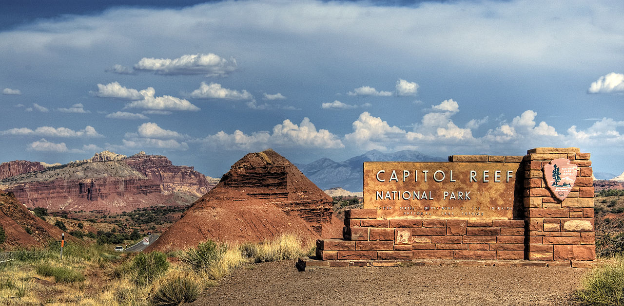 1280px-Capitol_Reef_National_Park_(2281762669)
